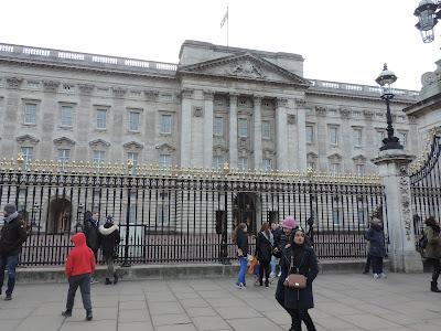 london tourism buckingham palace