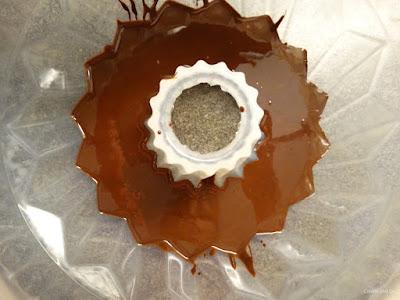 Marmorierter Eierlikörkuchen mit Schokolglasur