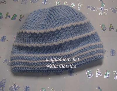 Boinas ou gorrinhos em tricot e mini botinhas em crochet 444cbaa6db5