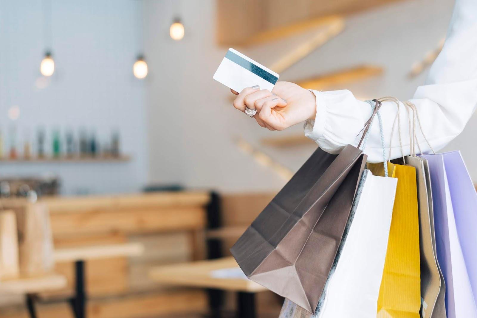 Black Friday: Psicóloga dá dicas para controlar as compras impulsivas