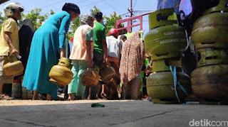 BREAKING NEWS !! Elpiji 3 Kg Naik Jadi Rp 35.000, Orang Miskin Bagaimana?
