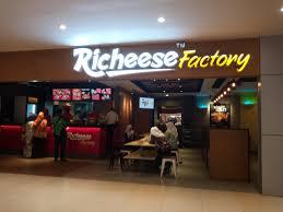 Lowongan Kerja Sebagai Crew Part Time Richeese Factory Kudus