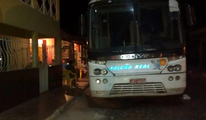 Ônibus da Falcão Real quebra novamente e deixa cidadã insatisfeita em Saúde