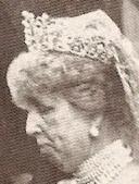 pearl diamond loop tiara cartier spain queen maria christina