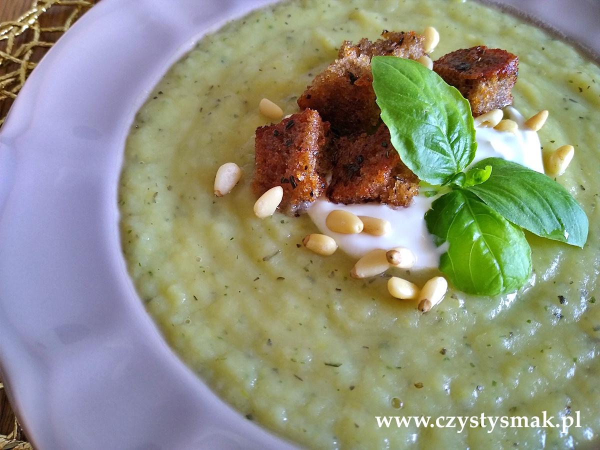 Zupa z włoską nutą z bazylią
