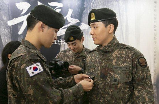 Lee Hongki'nin, D.O'ya sevgi dolu gözlerle bakması dikkat çekti