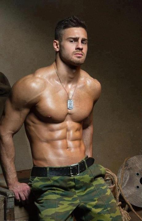fit-shirtless-male-soldiers-abs