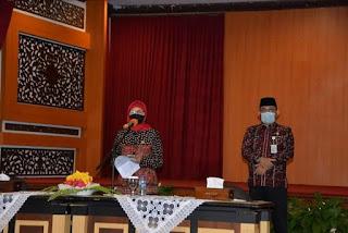 Hari Pertama Bekerja Pj.Gubernur Pimpin Rapat Staf Lengkap