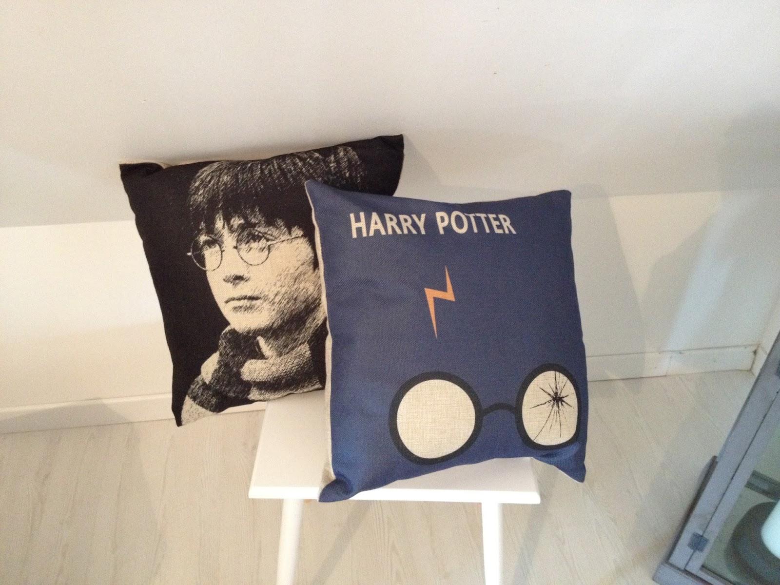 collection et cr ations harry potter d co du salon la fa on harry potter. Black Bedroom Furniture Sets. Home Design Ideas