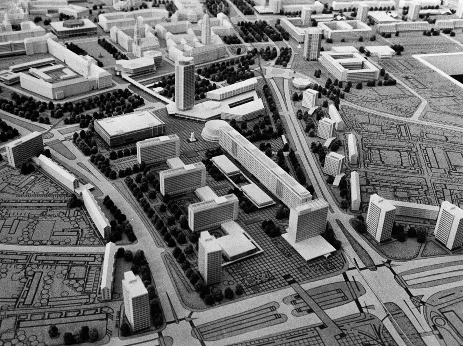 A model of planned construction in the city center. 1969.