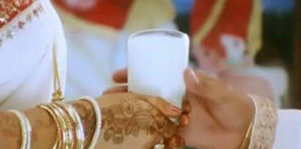 सुहागरात पर क्यों पीया जाता हैं दूध,जानें क्या है रहस्य