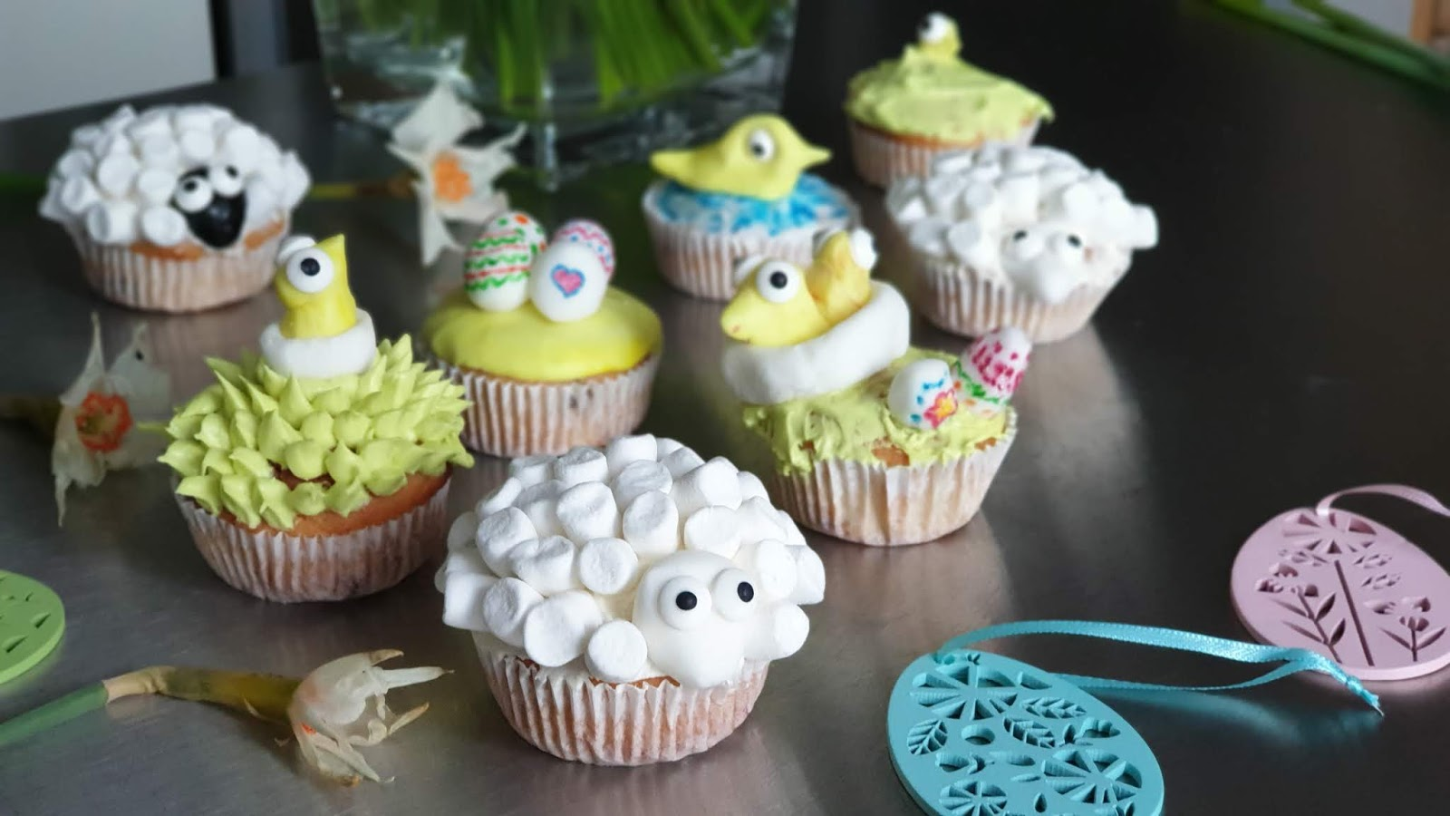 chick cupcake, egg cupcake, lamb cupcake