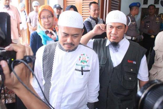PA 212 Soal Influencer Jokowi Jegal Anies: Ada yang Panik Nih