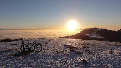 Nebelmeer und Sonne auf der Röti