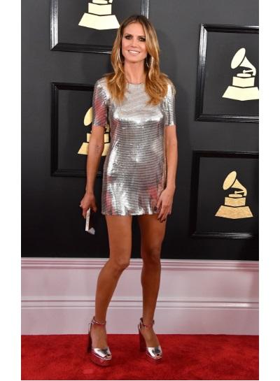 Confira os looks  das celebridades no Grammy Awards 2017