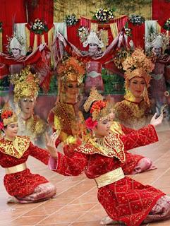 Tarian Tradisional dari Daerah Palembang Provinsi Sumatera Selatan Tempat Wisata Macam-macam Tari-Tarian Tradisional dari Daerah Palembang Provinsi Sumatera Selatan