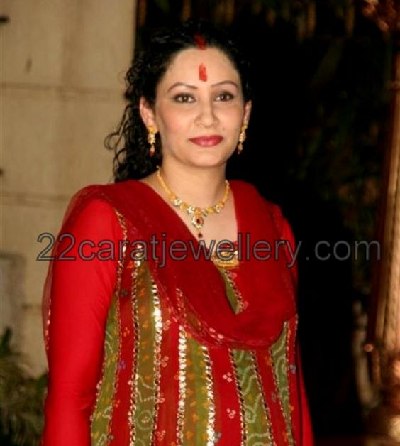Manyata Dutt Designer Gold Necklace - Jewellery Designs