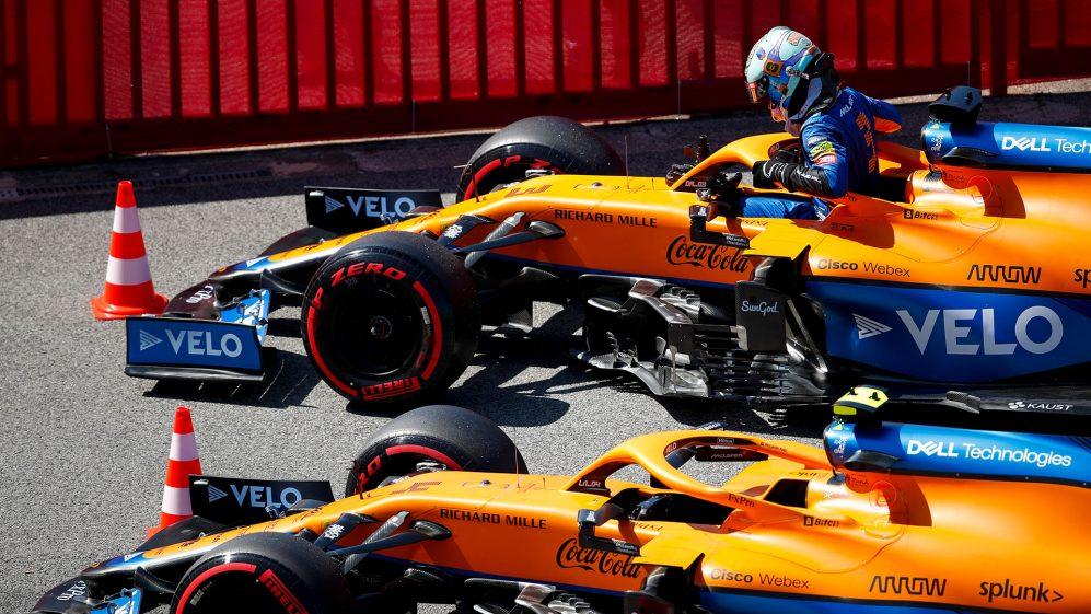 Daniel Ricciardo diz que se sente 'um novato' na McLaren, ao revelar que a equipe ainda o treina no estilo de direção