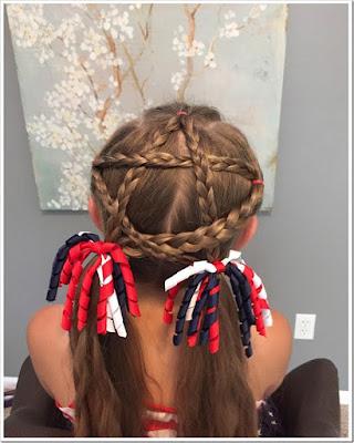 peinado de navidad para niña con cabello suelto