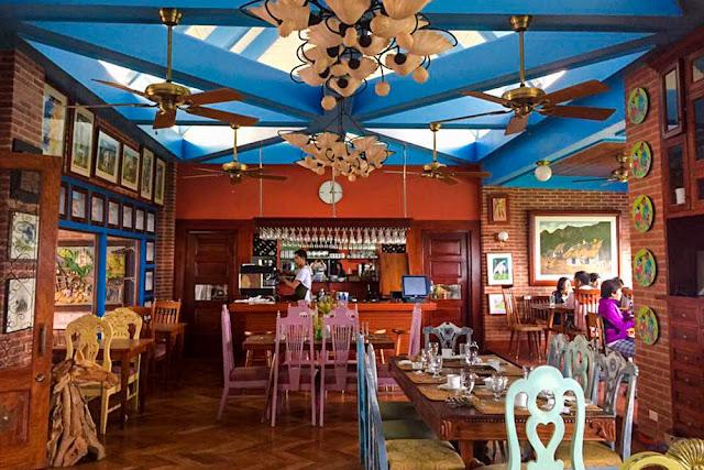 Cafe de Tukon Interior, Batanes