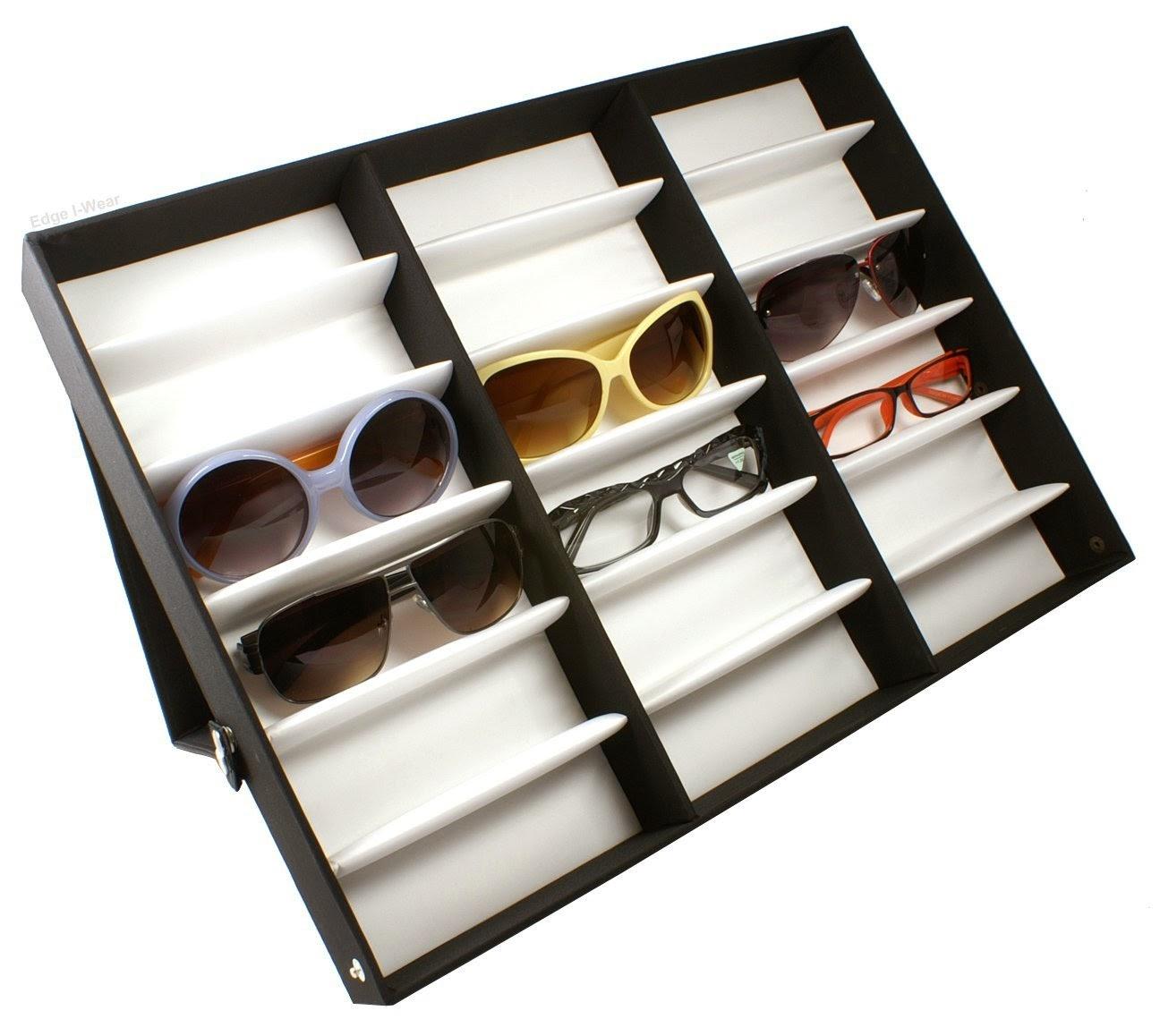 Ainda para quem tem muitos, alguns organizadores deixam os óculos sempre a  mão. 902563d789