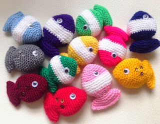http://lilyrazz.blogspot.nl/2014/02/fish-candy-free-crochet-pattern.html