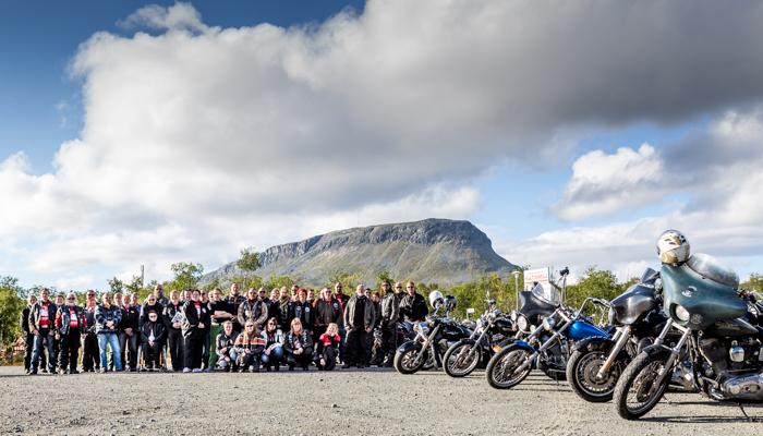 motoristit koulukiusaamista vastaan mkkv lappi lapland tour 2017 tunturi-lappi kilpisjärvi biker saana tunturi siluetti (1 of 1)
