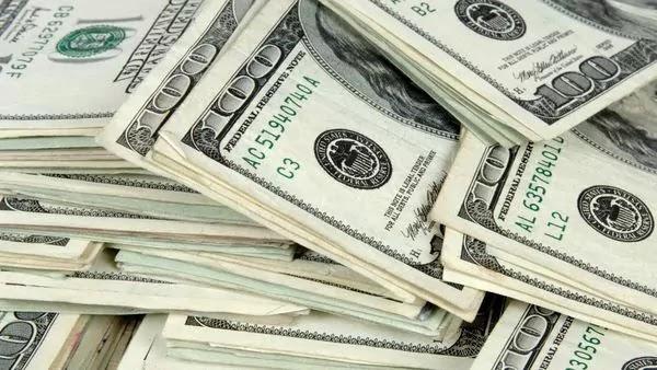 سعر الدولار اليوم الثلاثاء 13-6-2017 مقابل الريال القطري بمكاتب الصرافة التي تشهد نقص الدولار الأمريكى