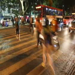 Orgulho Brasiliense, respeito à faixa de pedestres completa 20 anos