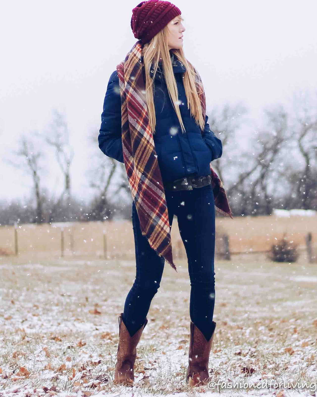 winter cowboy boots outfit. square toe boots for women outfit