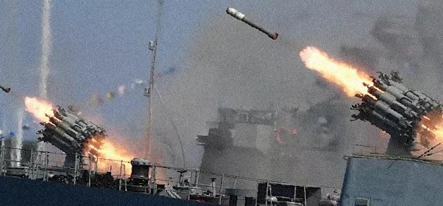 """القوات البحرية الجزائري تطلق صواريخ """"أوران"""" المضادة للسفن.. فيديو"""