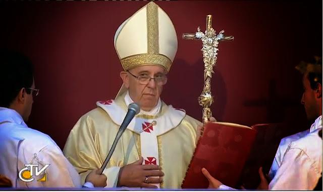 Trang tin thế tục: Giáo Hoàng Francis đang phá hoại giáo huấn công giáo về đồng tính luyến ái