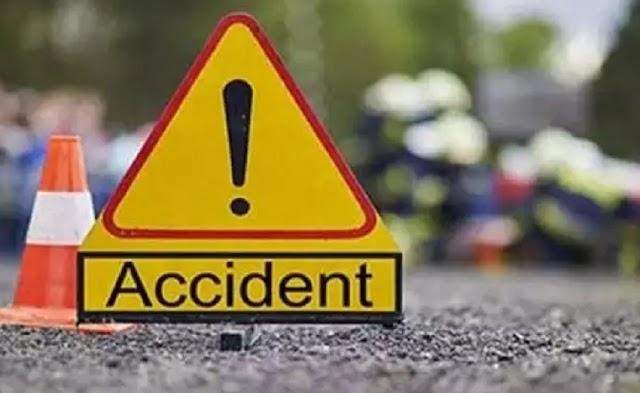 पत्थर लेकर जा रहा अनियंत्रित ट्रक पलटा, ड्राइवर की मौत - rewa news