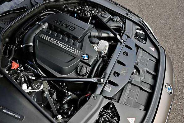2016 BMW M140i Engine
