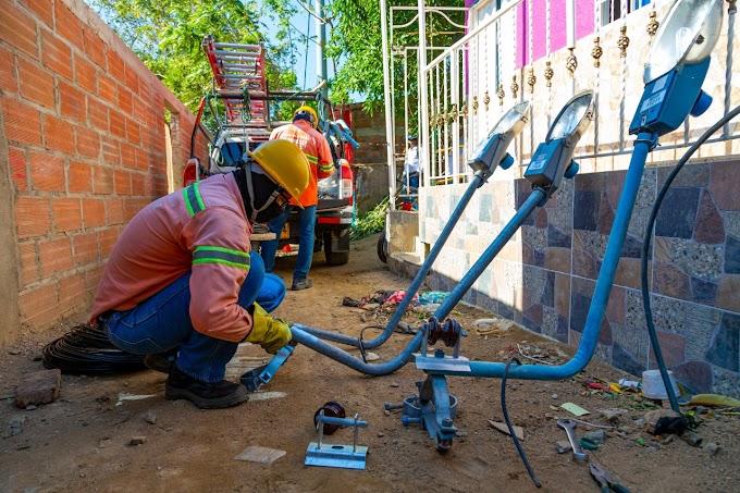 Avanza en un 50% la instalación de luminarias en los barrios Buenos Aires y La Esmeralda