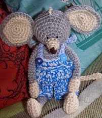 http://www.ravelry.com/patterns/library/amigurumi-big-eared-mouse