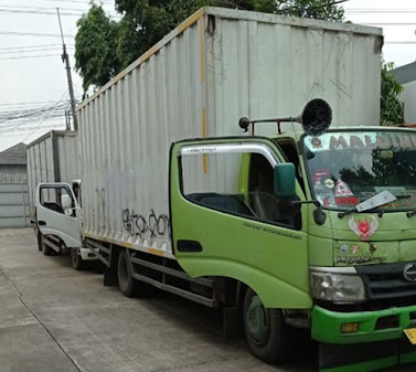 Sewa Mobil Box Malang