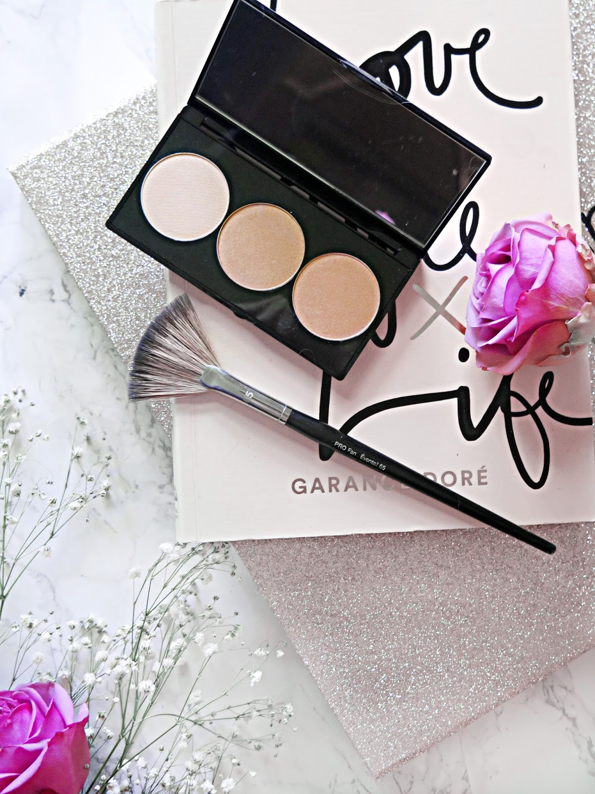 Light It Up | Smashbox Cosmetics X Casey Holmes Spotlight Highlighting Trios | Review & Swatches | labellesirene.ca