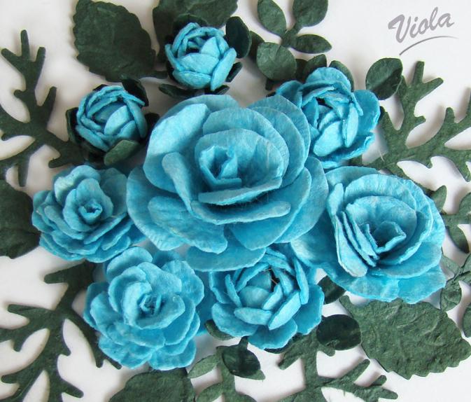 błękitne róże z papieru czerpanego