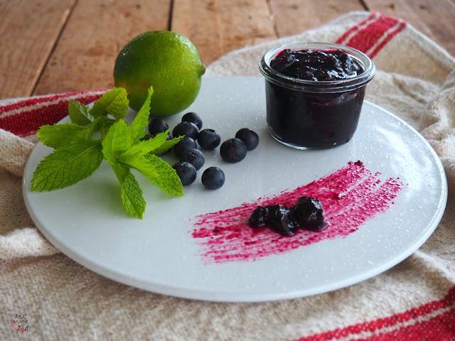 Mermelada de arándanos al perfume de mojito: menta, lima y ron