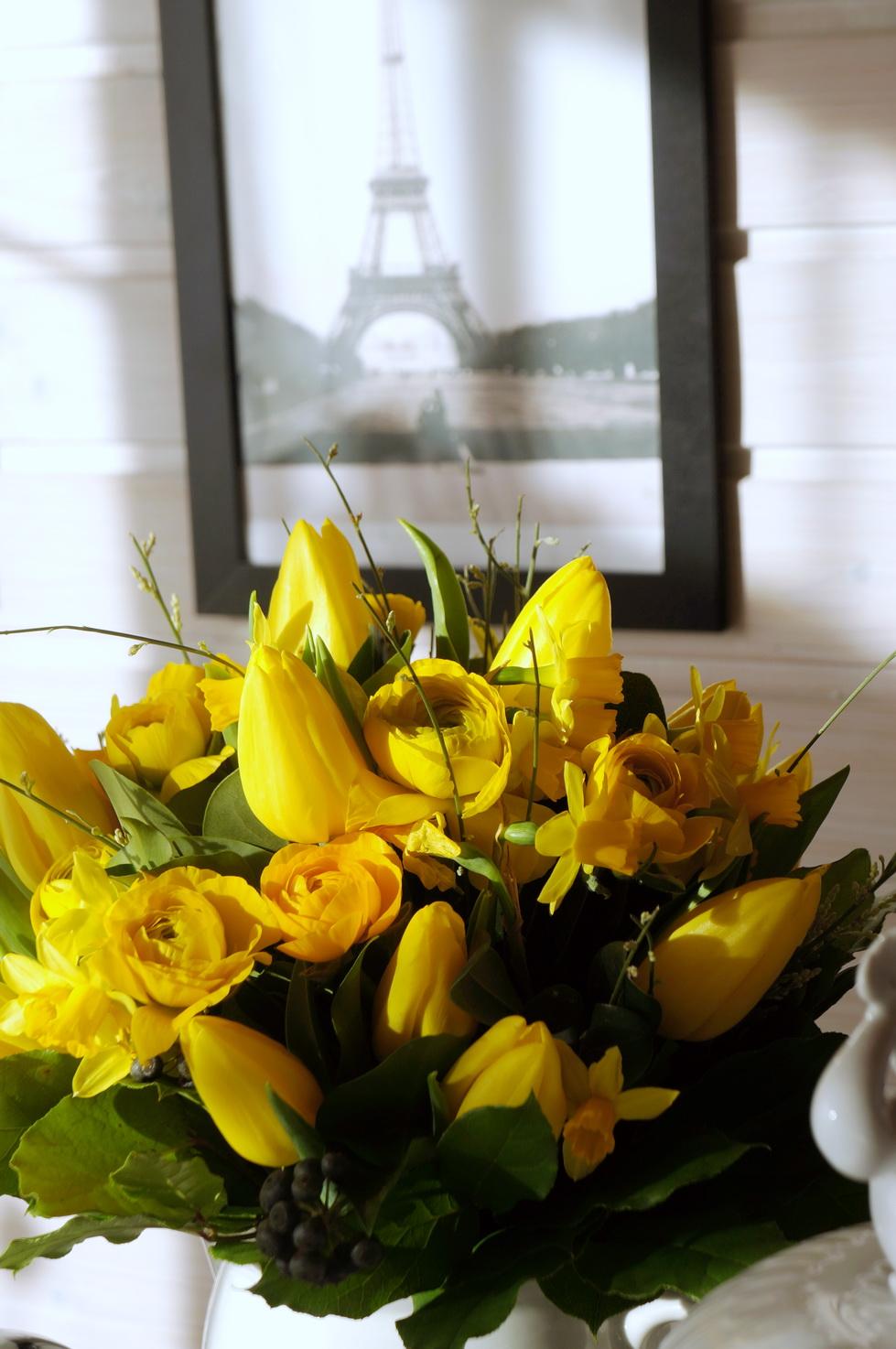 meine quilts und ich blumen freitag und die farbe gelb. Black Bedroom Furniture Sets. Home Design Ideas