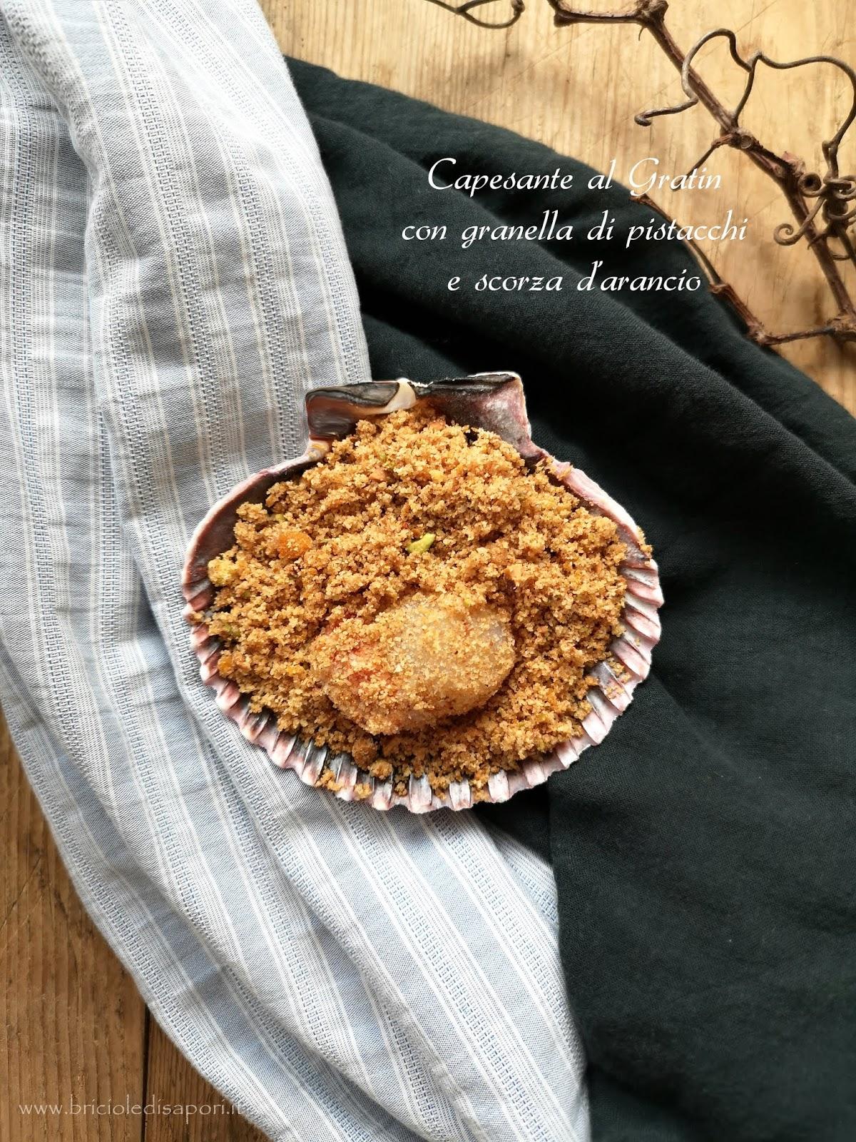 capesante gratinate con granella di pistacchi e scorza d'arancia