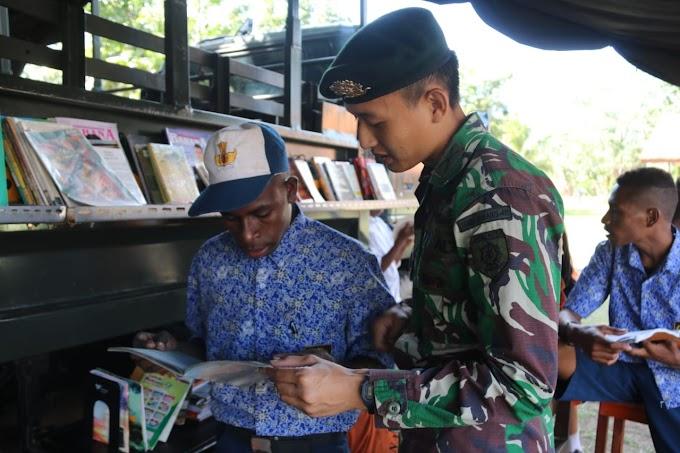 Perpustakaan Keliling Satgas Yonif 411 Cerdaskan Anak Bangsa di Perbatasan