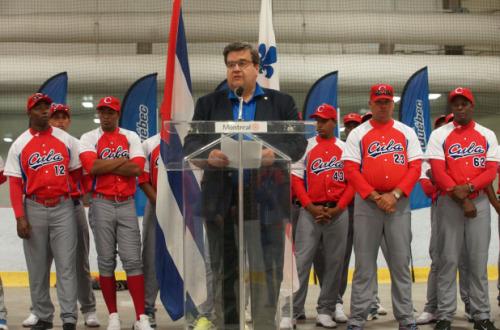 El equipo Cuba firmó un documento que les amenaza sobre posibles deserciones