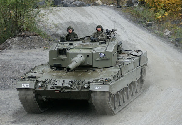Full Frame Singapore' Leopard 2a4 And Great German