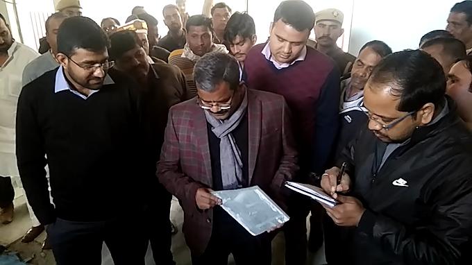 श्रावस्ती:जमुनहा के गाँवो में नोडल अधिकारी ने समीक्षा बैठक में मिली खामियों पर जिम्मेदारों को लगाई कड़ी फटकार।