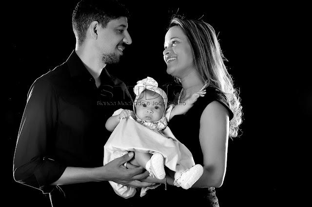 sessao de fotos trimestral em estudio para bebes