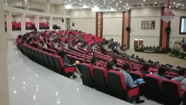 DPRD Sulut Paripurnakan Ranperda Petanggungjawaban APBD 2017