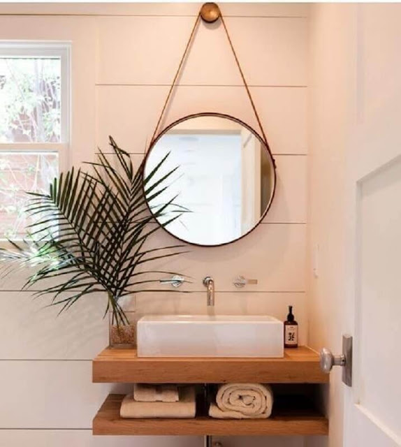 Round bathroom mirror model with leather handle