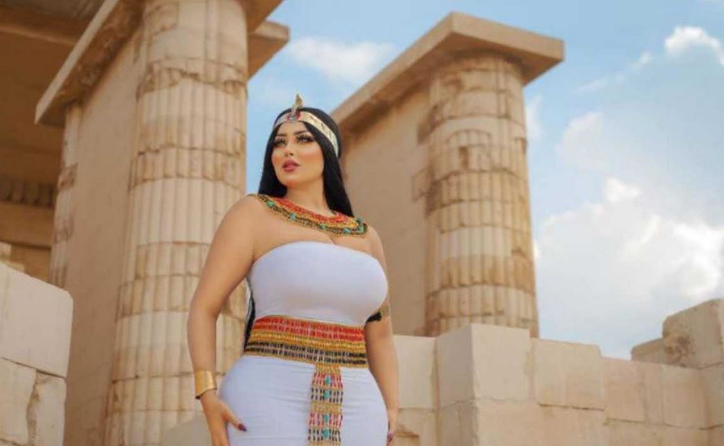 Model And Photographer Arrested Over 'S3xy' Photo Shoot At Ancient Pyramid #Arewapublisize